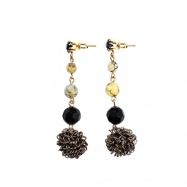 EARRING WITH BALLS