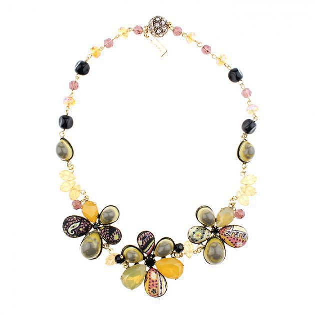 CHOKER WITH FLOWERS AND CABOCHON