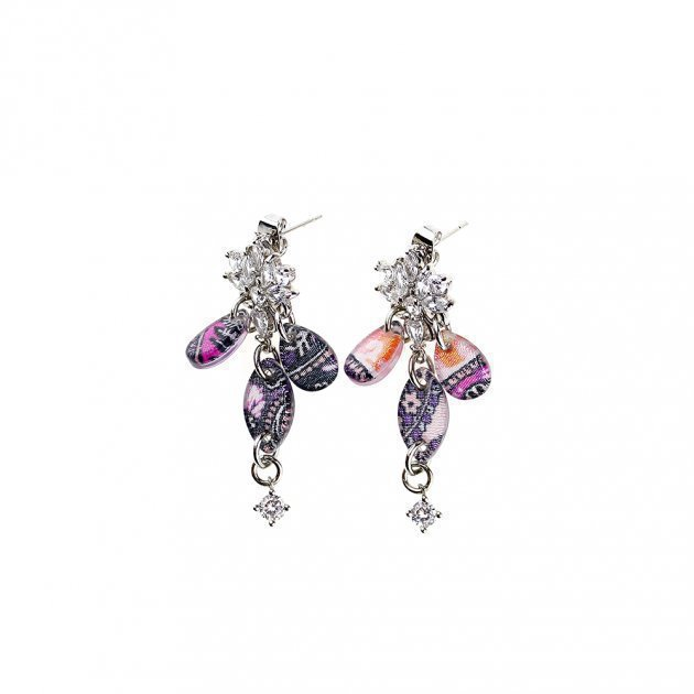 EARRING WITH STRASS AND DROPS