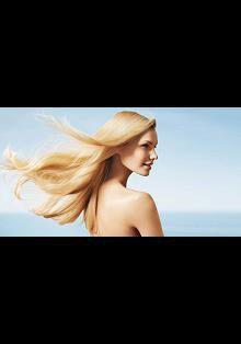 Что нужно знать о летнем уходе за волосами?